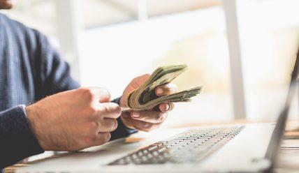 Как можно заработать на собственном сайте с нуля