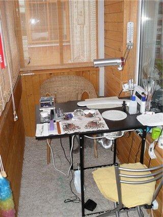 Рабочее место мастера маникюра на балконе