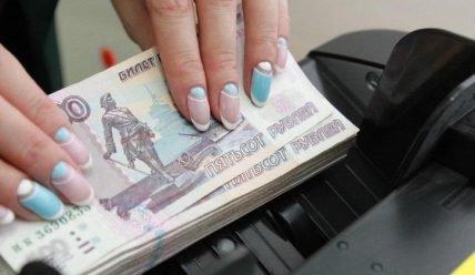Сколько зарабатывают на маникюре на дому: расчет дохода