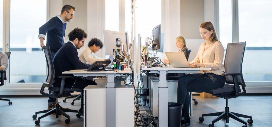 Чем отличается аутсорсинг от аутстаффинга персонала?