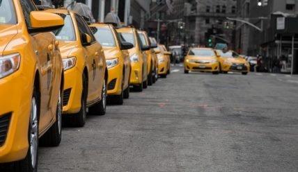 Как сдать машину в аренду под такси? Бизнес