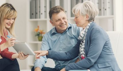 На каких условиях и в каких банках РФ пенсионер может получить кредит