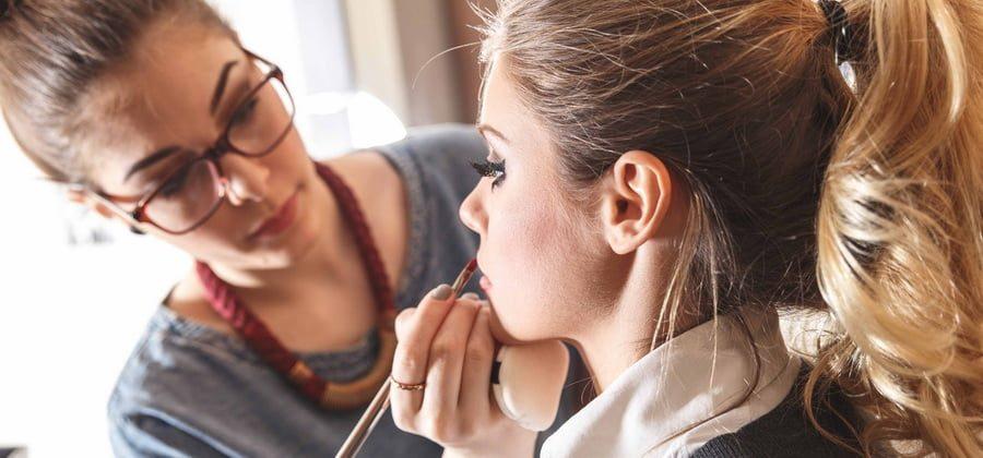 5 Способов как заработать визажисту онлайн и офлайн